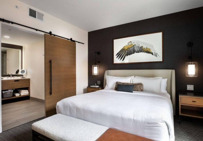 Courtyard suite at Elliot Park Hotel, Autograph Collection